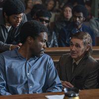 'The Trial of the Chicago 7': Netflix lanza las primeras imágenes y pone fecha de estreno a su gran esperanza para los Óscar 2021