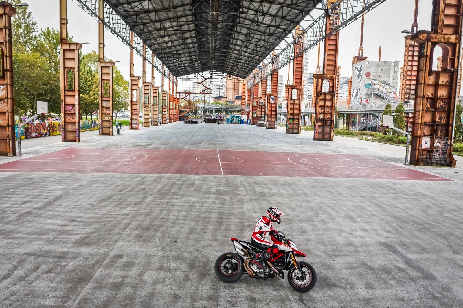 Foto de Ducati Hypermotard 950 2019 (32/76)