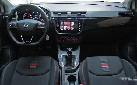 SEAT Ibiza FR interior