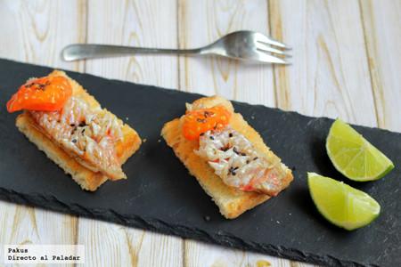 Pincho de salmonetes con escamas comestibles: receta de aperitivo