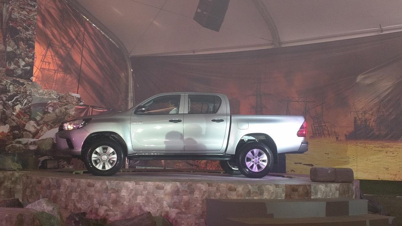 Toyota Hilux 2016 1 12