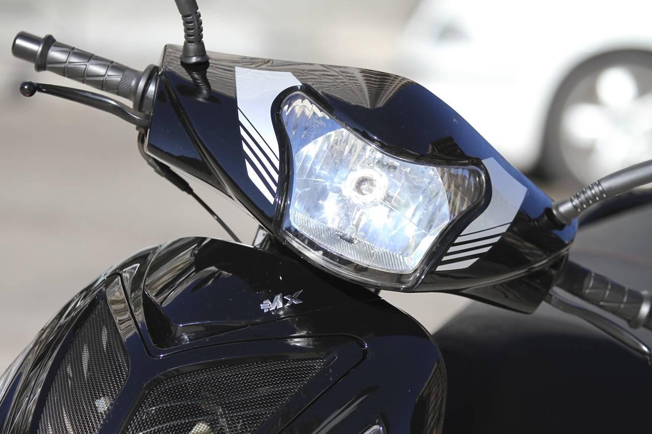 Foto de MX Motor C5 125, primer scooter de rueda alta de la marca española (48/53)
