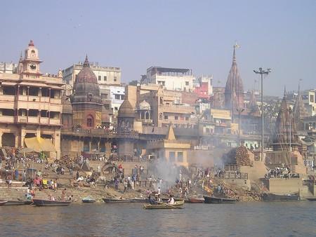 India 372 1280