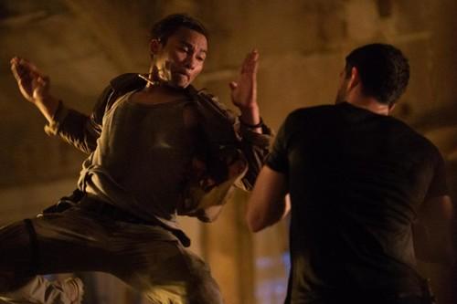 'Triple amenaza': un grandes éxitos de estrellas de las artes marciales competente pero sin riesgo
