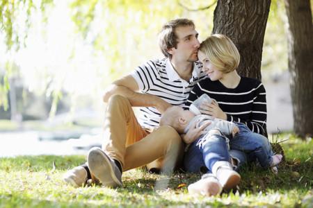 6 dudas que te surgirán si le das el biberón a tu bebé