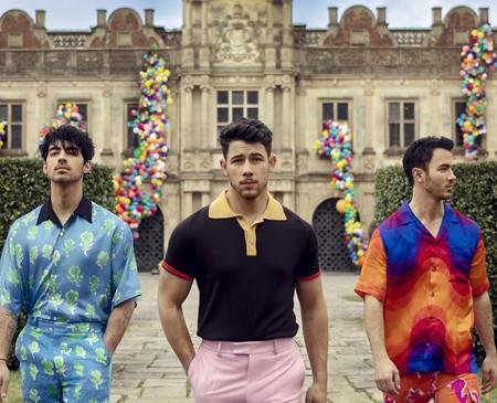Podremos ver a Sophie Turner y Priyanka Chopra en el documental de Jonas Brothers, y su nuevo tráiler es una muestra