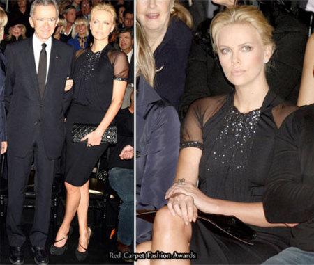 Charlize Theron en el front-row del desfile de Christian Dior