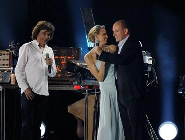 Y tras de la la boda civil de Alberto de Mónaco y  Charlene Wittstock nos vamos de fiesta con la realeza