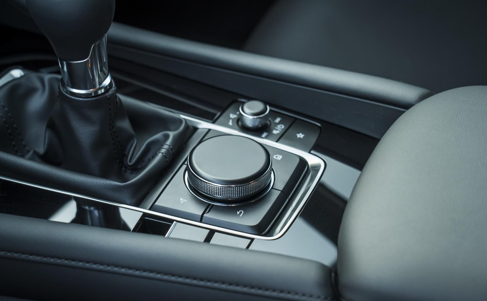Foto de Mazda3 2019 (86/128)