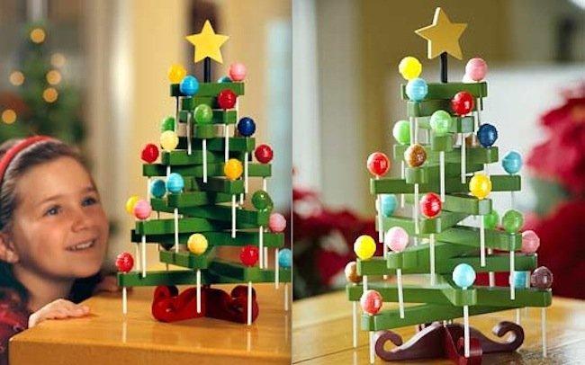 Arbol de navidad hecho con golosinas