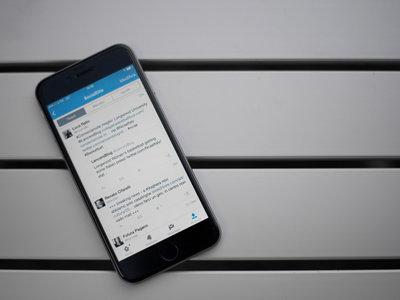 La nueva solución de Twitter para lidiar con tus quejas será mandarte a hablar con un bot