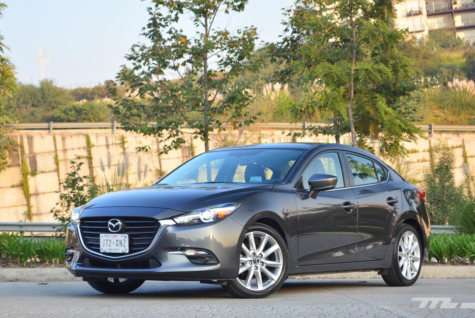 Foto de Comparativa: Mazda 3 2018 vs. KIA Forte vs. Volkswagen Jetta (23/31)
