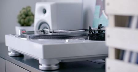 El Pioneer DJ PLX-500 pasa tus vinilos a formato digital a un precio más reducido