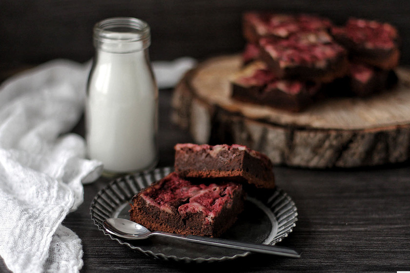 Brownie de frambuesa y queso: la receta perfecta para disfrutar una tarde de sábado