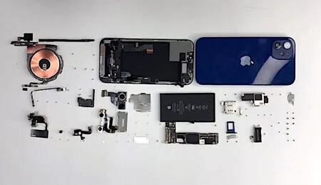 Así es el nuevo iPhone 12 por dentro: placa en L, Taptic Engine más pequeño y los imanes del MagSafe al descubierto