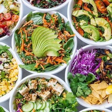 Nueve ensaladas saludables para cenar sin complicarse la vida