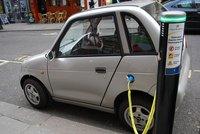 Buscador de gasolineras y puntos de recarga de vehículos eléctricos en España