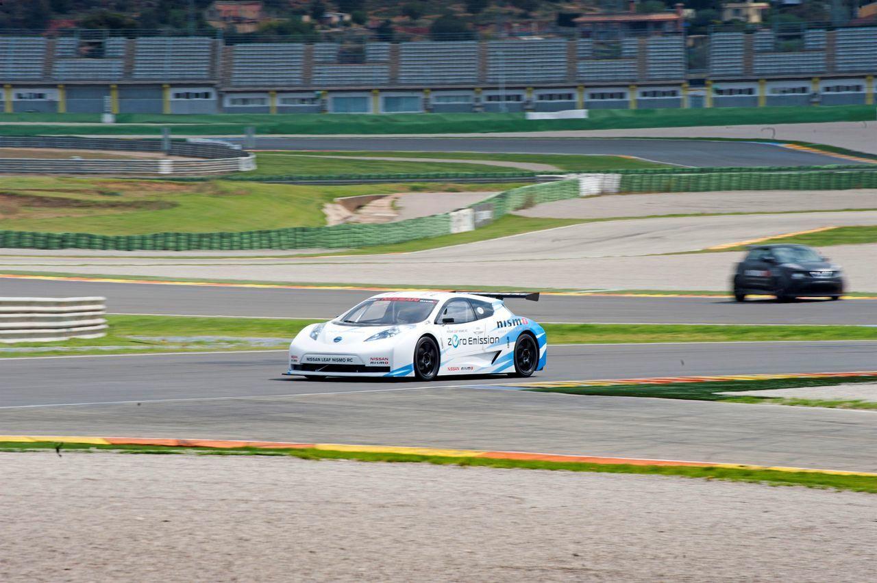 Foto de Gama deportiva Nissan (20/50)