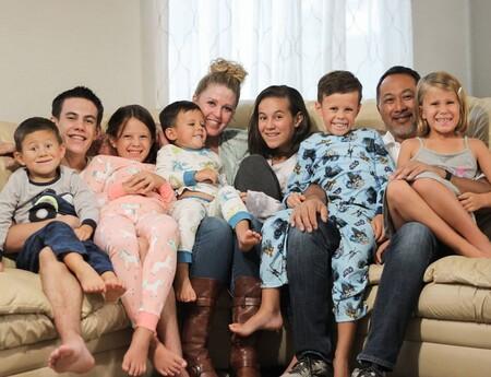 Segundas oportunidades: la historia de la pareja que adoptó a siete hermanos, después de haber criado cinco hijos biológicos