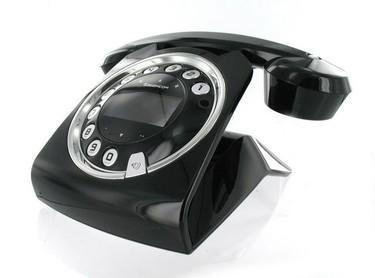 Sixty, un teléfono muy moderno, de estética retro