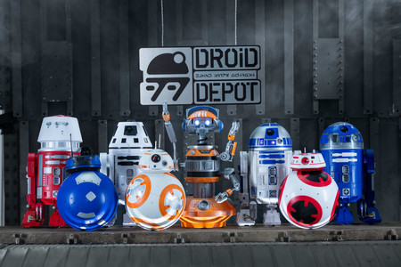 Star Wars Galaxys Edge Merchandise Droids 1024x683