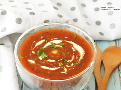 Sopa de jitomate y chile guajillo. Receta
