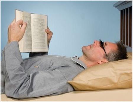 Gafas para leer acostado boca arriba