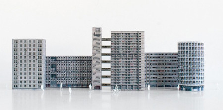 Decora tu mesa con estas miniaturas del Londres más brutalista