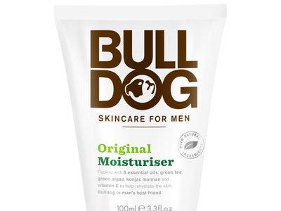 Crema hidratante para hombres Bulldog natural skincare por 7,45€ en lookfantastic.