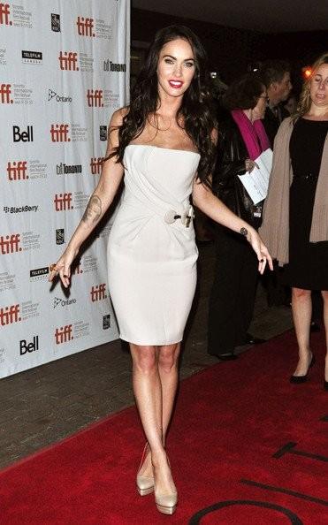 Megan Fox y sus impresionantes zapatos en el Festival de Toronto 2010