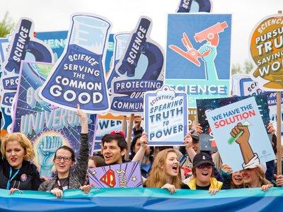Antivacunas, transgenofóbicos y negacionistas del cambio climático: lo que tienen en común (y lo que no)