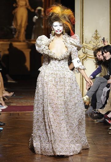 Foto de Vivienne Westwood Primavera-Verano 2010 en la Semana de la Moda de París (21/21)