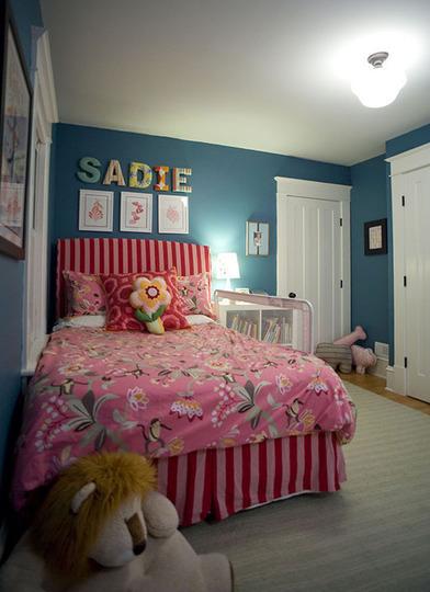 Puertas abiertas: un dormitorio infantil muy femenino