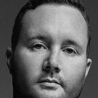 Kim Jones podría salir de Louis Vuitton para ser el nuevo director creativo de Versace