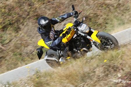Ducati Monster 821 024