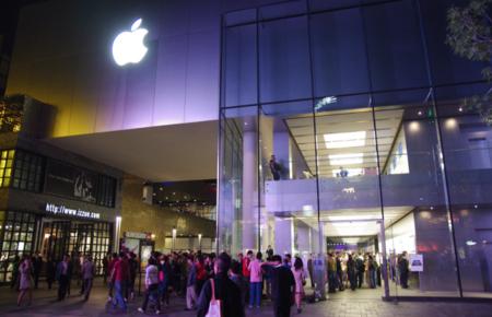 Tim Cook promete 25 nuevas Apple Store chinas en dos años