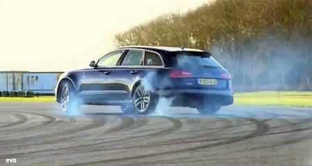 Batalla de familiares: Audi RS6 vs Vauxhall VXR8 (vídeo)