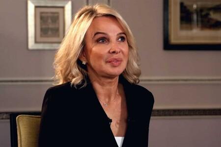 Nuevas declaraciones: Corinna Larsen reaparece más operada que nunca para atizar al Rey Felipe VI sin olvidarse de Juan Carlos, el emérito amado