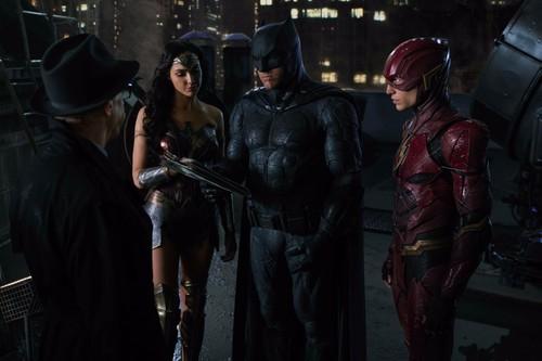 'Liga de la Justicia' ha costado 300 millones de dólares y tiene dos escenas post-créditos
