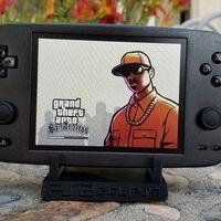 Un PS2 en formato Switch: portátil, con pantalla y hasta con Joy-Cons para jugar donde sea, así es el increíble PS2 Eclipse