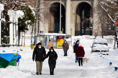 ¿Te toca limpiar tu calle si nieva? Qué dicen las ordenanzas sobre la responsabilidad vecinal