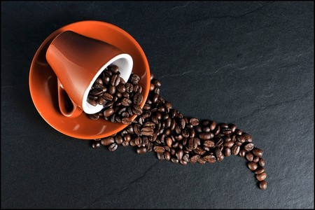 ¿Por qué el café tiene un efecto laxante? No, no es solo por la cafeína