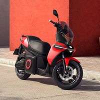 SEAT e-Scooter es la primera moto de SEAT: 100% eléctrica, con autonomía de 115 km y velocidad máxima de 100 km/h