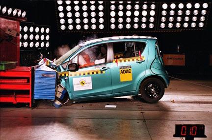Opel Agila - EuroNCAP frontal