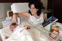 Hace sus exámenes de oposición en el hospital tras dar a luz