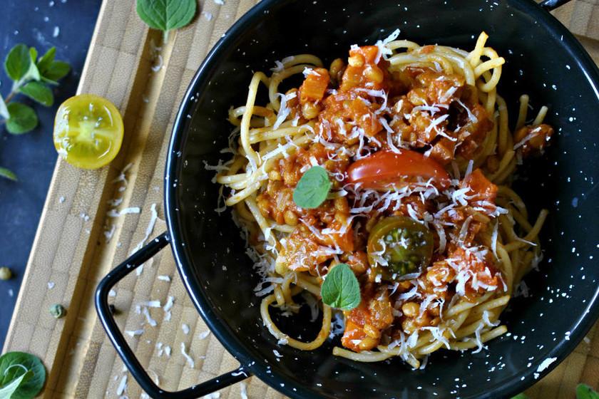 Cómo hacer salsa boloñesa para vegetarianos