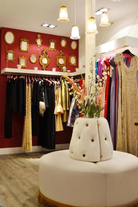 Dolores Promesas inaugura tienda en París