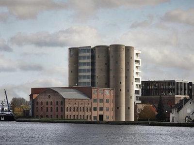 Antiguos silos de destilería convertidos en apartamentos, y son increíbles