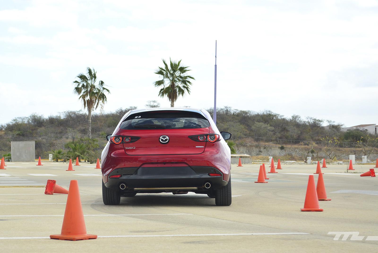 Foto de Mazda 3 2019 en México (12/27)