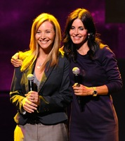 Lisa Kudrow aparecerá en 'Cougar Town'